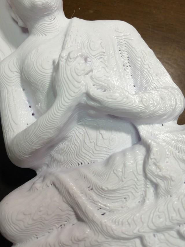 仏像の印刷。3Dプリンタの積層痕が目立ちます。